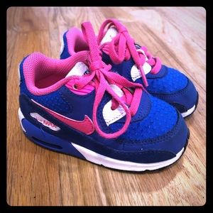 Toddler size 6 Nike Air Max sneakers